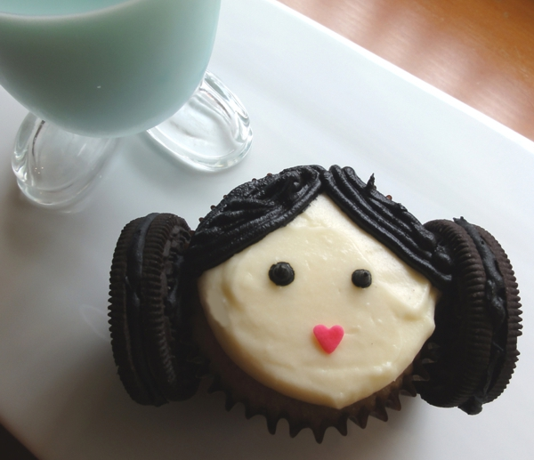 princess-leia-cupcakes-by-justjennrecipes
